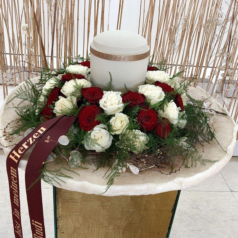 Rosen Urnenschmuck